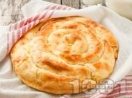 Рецепта Обикновена домашна баница с яйца, сирене и мая - класическа рецепта без кисело мляко с домашно точени кори